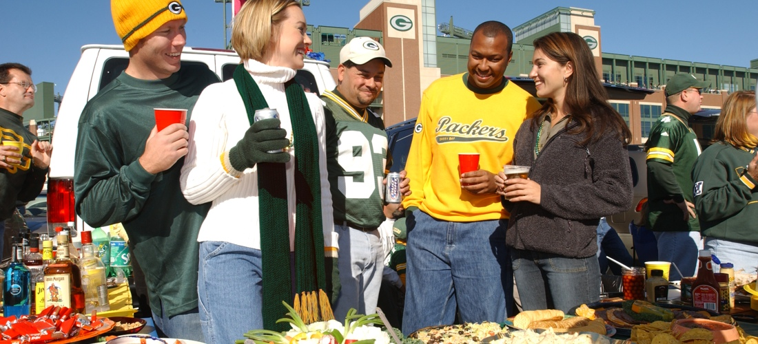 Lambeau Field Tailgating - Discover Wisconsin's beautiful cities, towns and beautiful landscapes.  Wisconsin is for adventure!  From its lush forests and rolling hills to magnificent beaches - Wisconsin is a Vacation and Adventure Destination you will enjoy.  See America - See Wisconsin -a USA Travel Guide Destination!